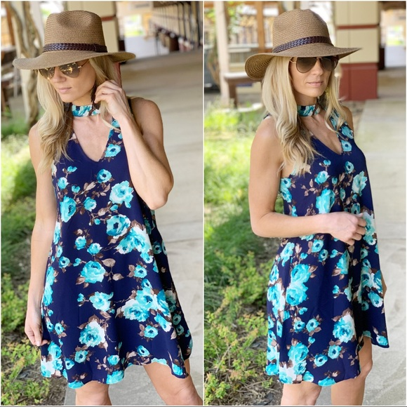 Infinity Raine Dresses & Skirts - ✨RESTOCKED👍Navy floral sleeveless dress